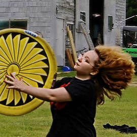 Catherine Melvin - Fanning Frisbee
