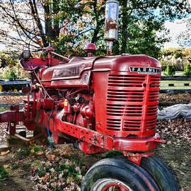 Paul Ward - Farmers Tractor