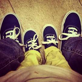 Luisa Azzolini - #feet #shoes #kid #vans #little #people