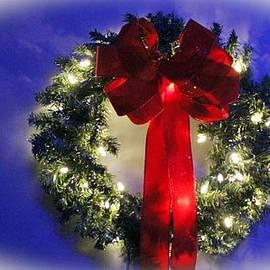Cynthia Guinn - Festive Wreath