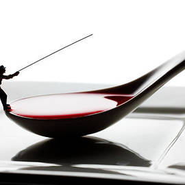 Paul Ge - Fishing on the spoon and the plate little people on food