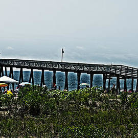Tom Gari Gallery-Three-Photography - Fishing Pier