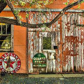 Steven Bateson - Flint Hills Antiques