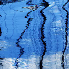 Wendy Wilton - Floating On Blue 22