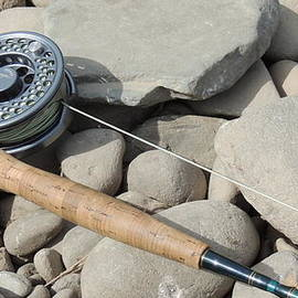 Anastasia Konn - Fly fishing rod