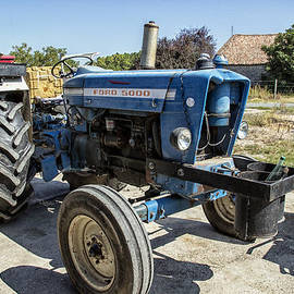 Nomad Art And  Design - Ford 5000 Tractor