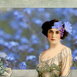 Peggy Collins - Forget-Me-Nots Vintage Collage