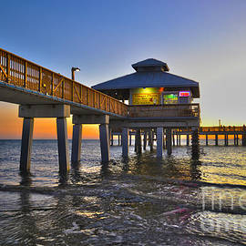 Timothy Lowry - Fort Myers Beach Pier 3