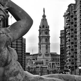 Bill Cannon - Fountain and Philadelphia City Hall in Black and White