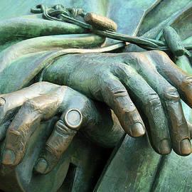 Cora Wandel - The Hands Of Franklin Roosevelt