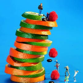 Paul Ge - Free falling bodies experiment on fruit tower