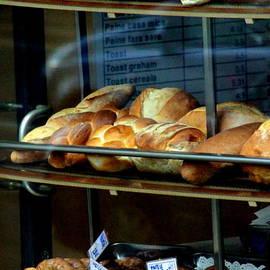 Laurel Talabere - Fresh Bread in Bucharest