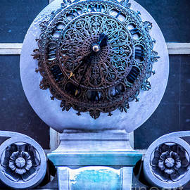 James Aiken - Frozen in Time