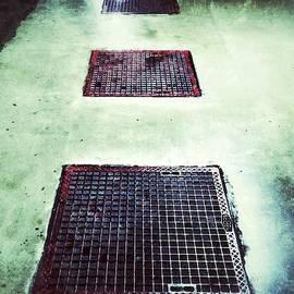 Julian Darcy - Garage floor