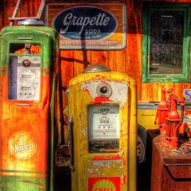 Timothy Bischoff - Gas Pumps 2392