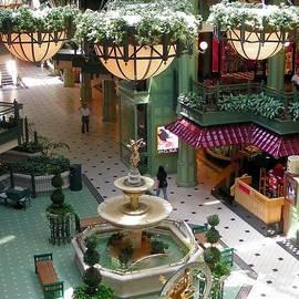 Kim Bemis - Georgetown Mall - Washington D.C.