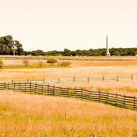 Bob and Nadine Johnston - Gettysburg Battleground