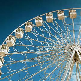 Carlos Caetano - Giant Ferris Wheel