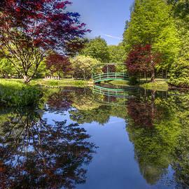 Debra and Dave Vanderlaan - Gibbs Garden