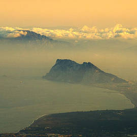 Guido Montanes Castillo - Gibraltar and Africa at sunset