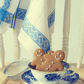 Christopher and Amanda Elwell - Gingerbread