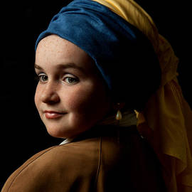 Levin Rodriguez - Girl with a pearl earring