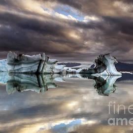 Gunnar Orn Arnason - Glacier In Water