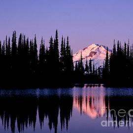 Tracy Knauer - Glacier Peak Sunrise on Image Lake