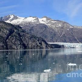 Sophie Vigneault - Glacier reflection