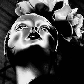 Lauren Hunter - Glam in Black and White