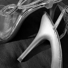 Elizabeth Sullivan - Glamorous bw