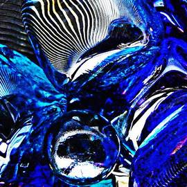 Sarah Loft - Glass Abstract 398