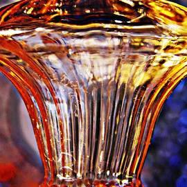 Sarah Loft - Glass Abstract 562