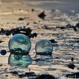 Cynthia Lagoudakis - Glass Float At Sunset