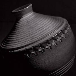 Tom Druin - Glazed-black And White