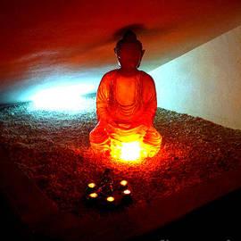 Linda Prewer - Glowing Buddha