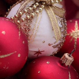 Luv Photography - Gold And Red Christmas Decorations