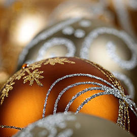 Elena Elisseeva - Gold Christmas ornaments