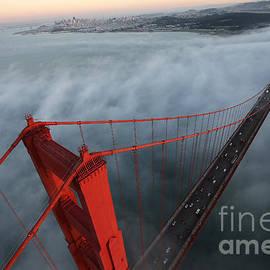 Alex Menendez - Golden Gate 2 Miles