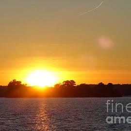 Lingfai Leung - Golden Sunset at Rockport Thousand Island