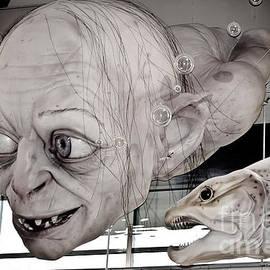 Yurix Sardinelly - Gollum or Smeagol