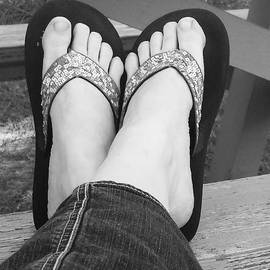 Sonya Nicole Smith - Got My Feet Up Relaxing And Listening