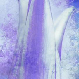 Hal Halli - Graced Blossom In Lavender