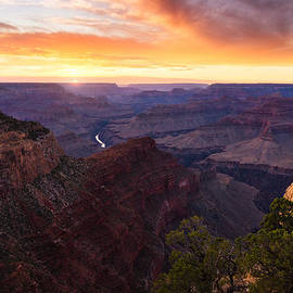 Adam Schallau - Grand Canyon Chasing the Sun.