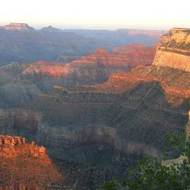 Elizabeth Kim-Lan - Grand Canyon