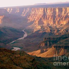 Ana Lusi - Grand Canyon Series #125