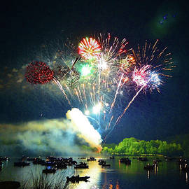 Sandi OReilly - Grand Finale Over The Lake
