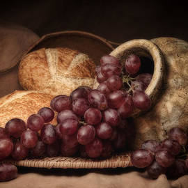 Tom Mc Nemar - Grapes With Bread Still Life