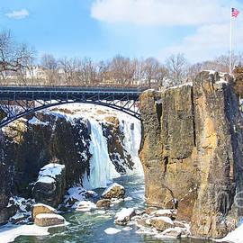 Regina Geoghan - Great Falls Park NJ Winter