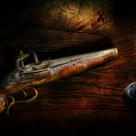 Mike Savad - Gun - Pistol - Romance of pirateering